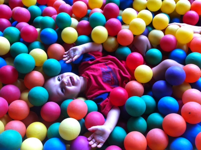 First experience with a ball pit in Jumpin' Jungle